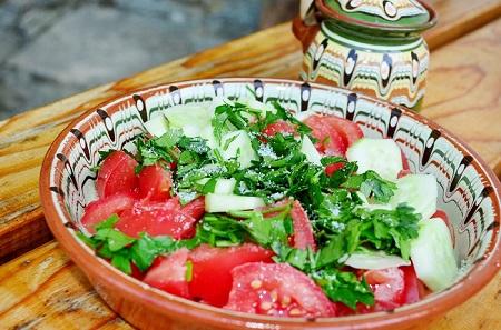 шопска салата, българска кухня, български ястия, обедно меню